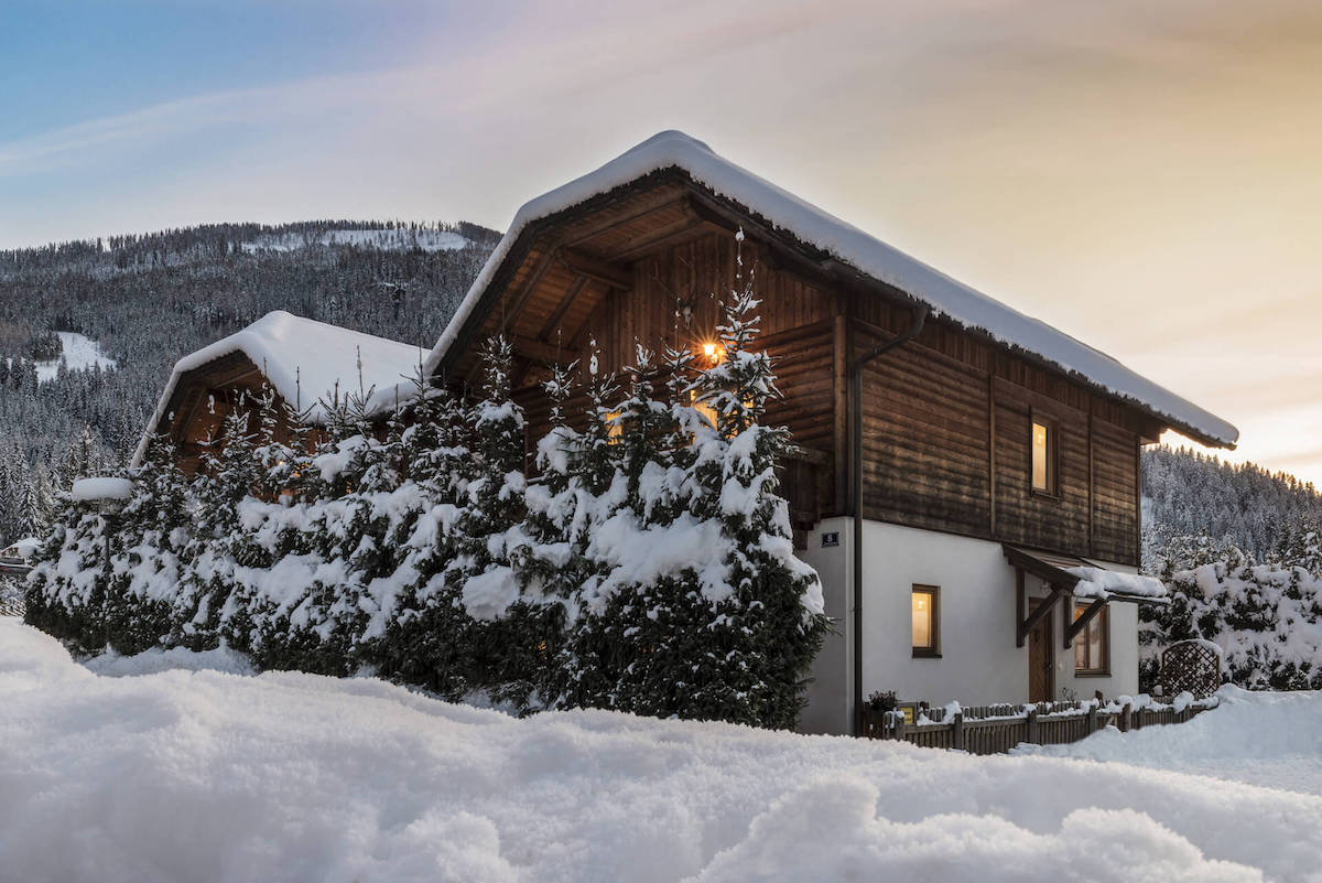thermenchalet winter view